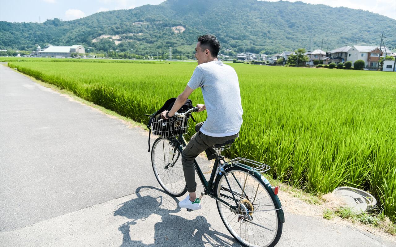 租借自行車遊覽安土城周邊為最佳方式